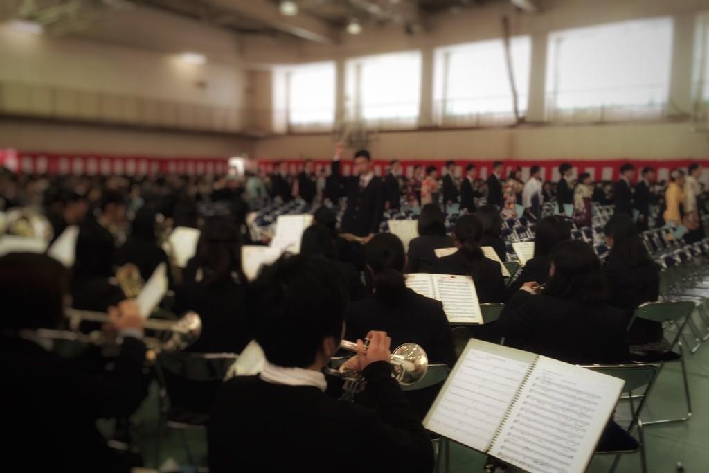 卒業式-入場、「威風堂々」演奏